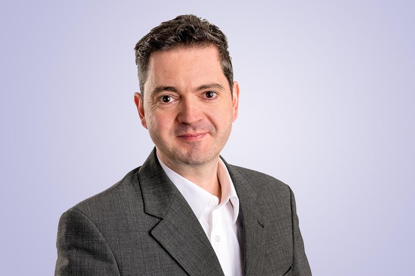 Portrait Dr. Holger Leubner
